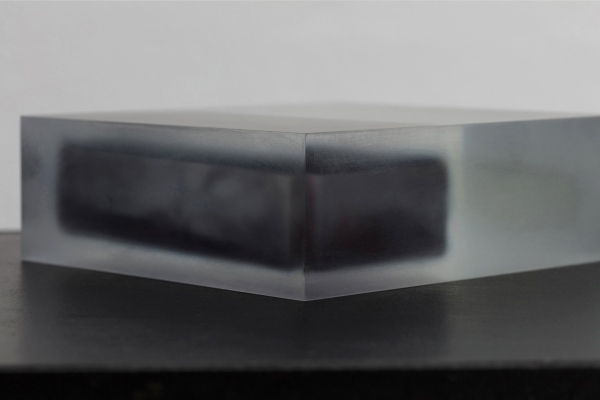 Block (White and Black) / acrylic / 13 x 4.5 x 12(h) cm
