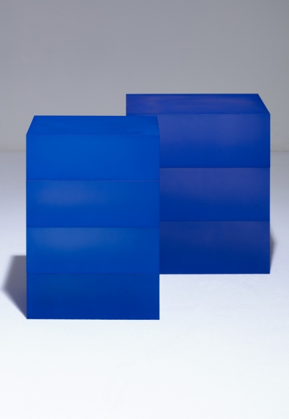 Blocks (Blue, Blue, Blue on Blue), 2018 / Blocks (Deep Blue and Deep Blue on Deep Blue) / hand-dyed acrylic / 28 x 21 x 40(h) cm / 34 x 27 x 39(h) cm