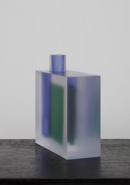 Block (Violet, Green and Ivory) / vase / acrylic / 14.5 x 5.7 x 13(h) cm